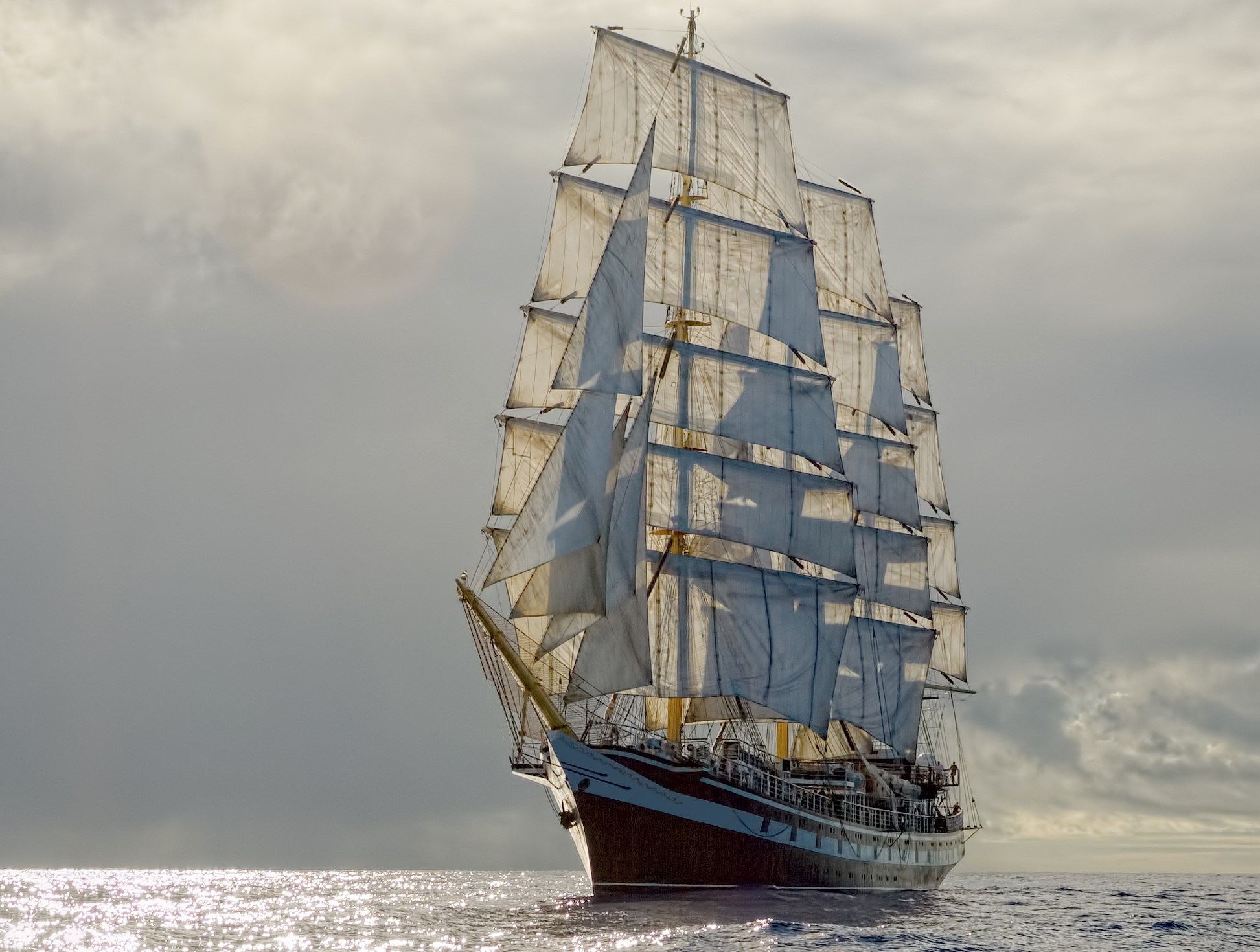 Old sailing ship (Adobe Stock)